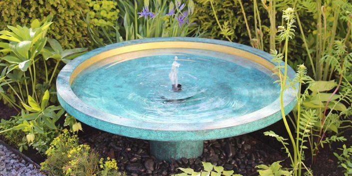 Fontanna ogrodowa pokryta patyną EKHO David Harber