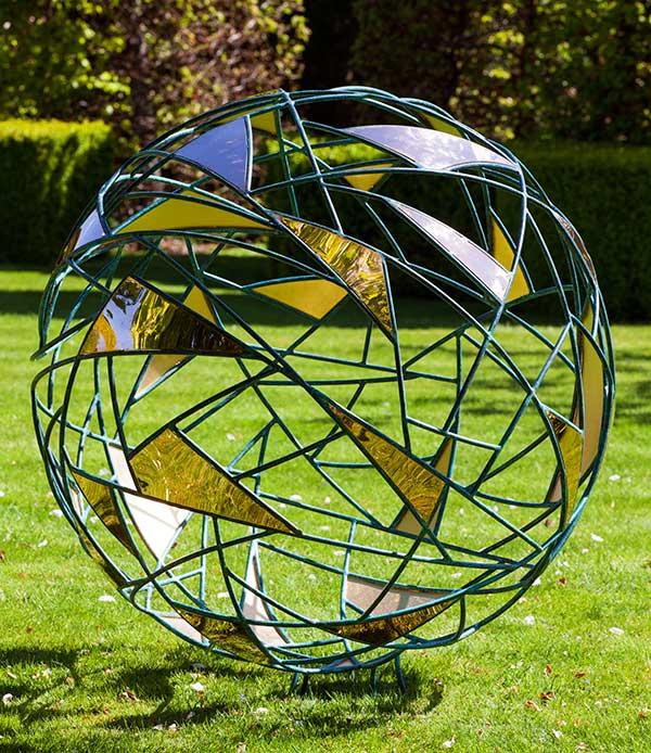 Geometryczna rzeźba ogrodowa Matrix David Harber