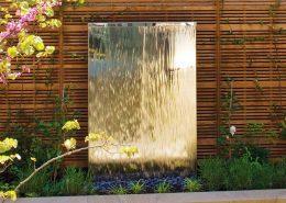 Małe ściany wodne w ogrodzie