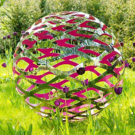 Nowoczesna rzeźba kula z kolorowym akcentem Filium David Harber