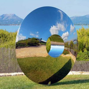 Nowoczesna rzeźba ogrodowa na wysoki połysk Torus David Harber