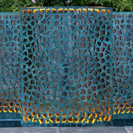 Ogrodowa ściana wodna pokryta patyną LATTICE David Harber