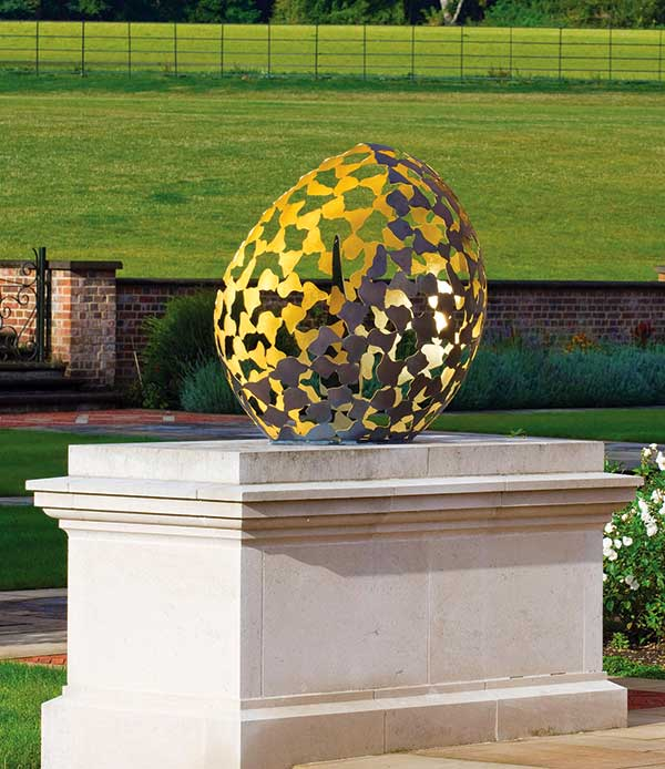 Oryginalna rzeźba do ogrodu Bud David Harber