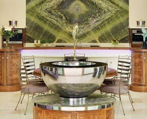 Rzeźba w eklektycznej kuchni