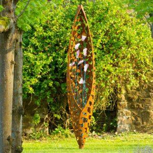 Wertykalna rzeźba efekt rdzy Lirio Quill David Harber