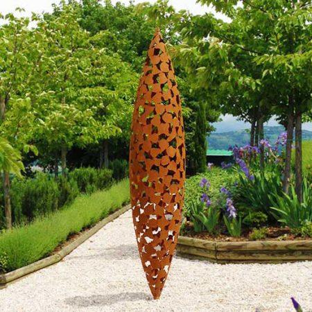 Wertykalna rzeźba nowoczesna, patyna, rdza Quill David Harber