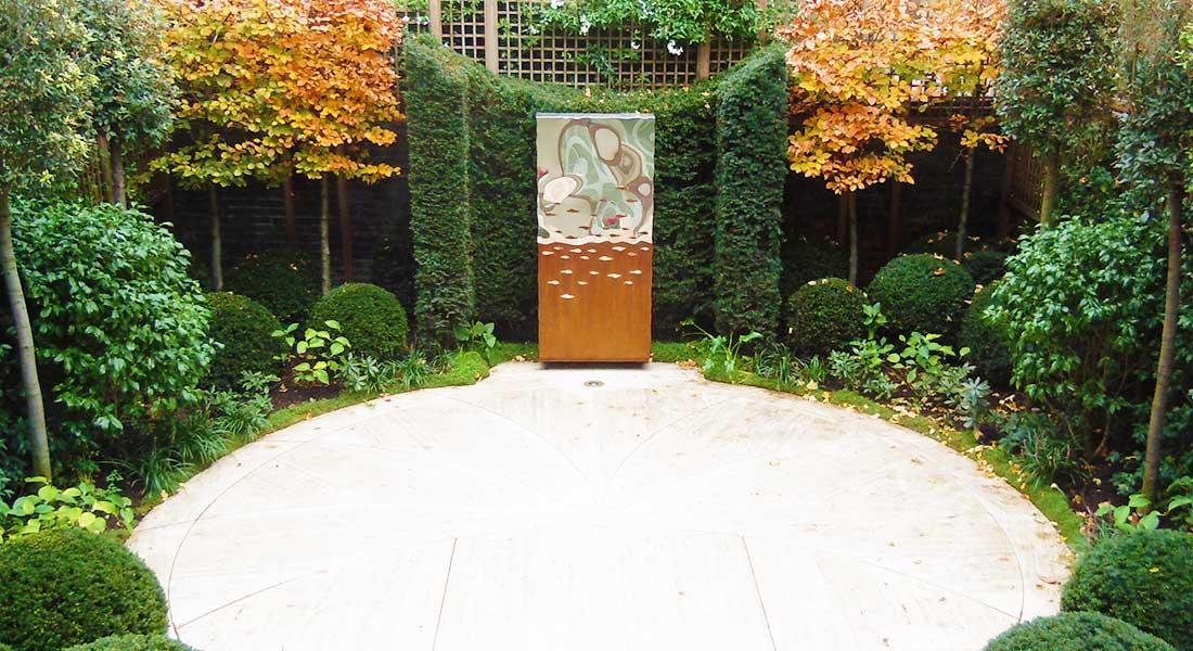 Zewnętrzna Rzeźba wertykalna rdza i srebro Titan