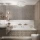 Łazienka w stylu glamour z połyskliwą mozaiką