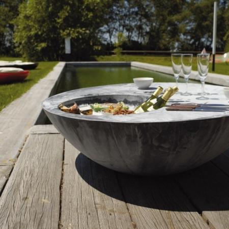Matalowy stolik kawowy do ogrodu Cynk