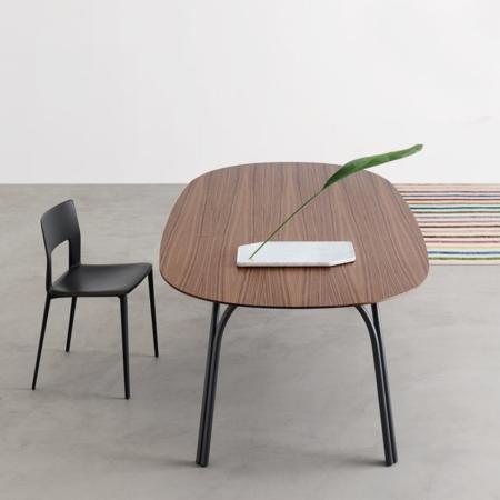 Prostokątny stół z zaokrąglonymi rogami Lake