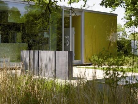 Wysoka, metalowa donica ogrodowa prostokątna Cynk