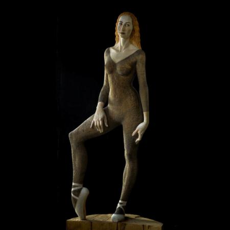 Drewniana rzeźba baletnicy Jana Małgorzata Chodakowska