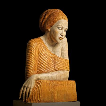 Drewniana rzeźba kobiety Sehnsuch Małgorzata Chodakowska