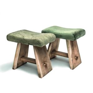 Drewniany taboret z tapicerowanym siedziskiem SAMMY