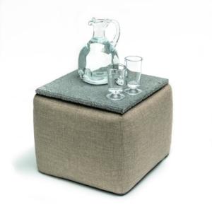 Kwadratowy stolik kawowy, tapicerowany