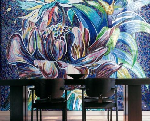 Kwiecisty obraz z mozaiki dekoracyjnej w jadalni