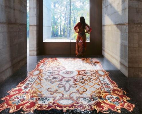 Mozaika dekoracyjna imitująca dywan w holu