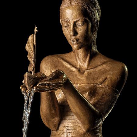 Rzeźba fontanna z brązu Traumreise Małgorzata Chodakowska