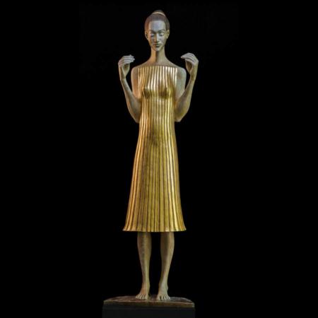 Rzeźba kobiety z brązu Seherin Małgorzata Chodakowska