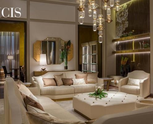 Salon modern classic w bieli i beżach