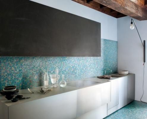 Turkusowa mozaika w kuchni