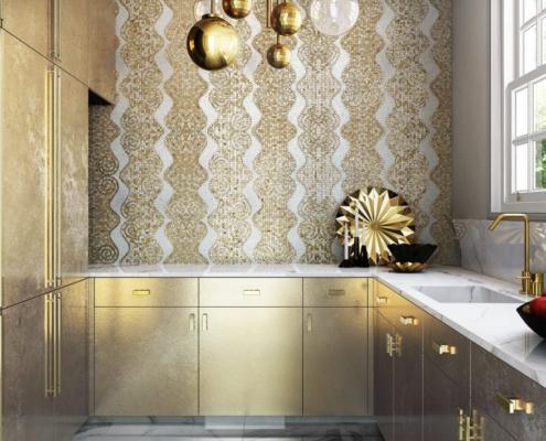 Złota mozaika w kuchni glamour