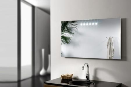 Dekoracyjne lustro łazienkowe z podświetleniem LED