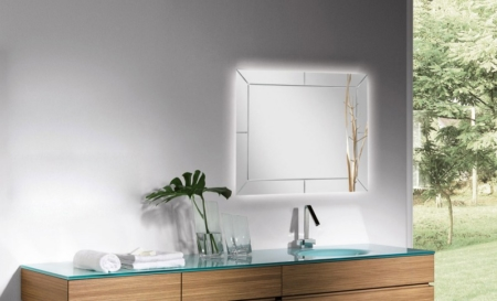 Dekoracyjne lustro łazienkowe z podświetleniem Liberty