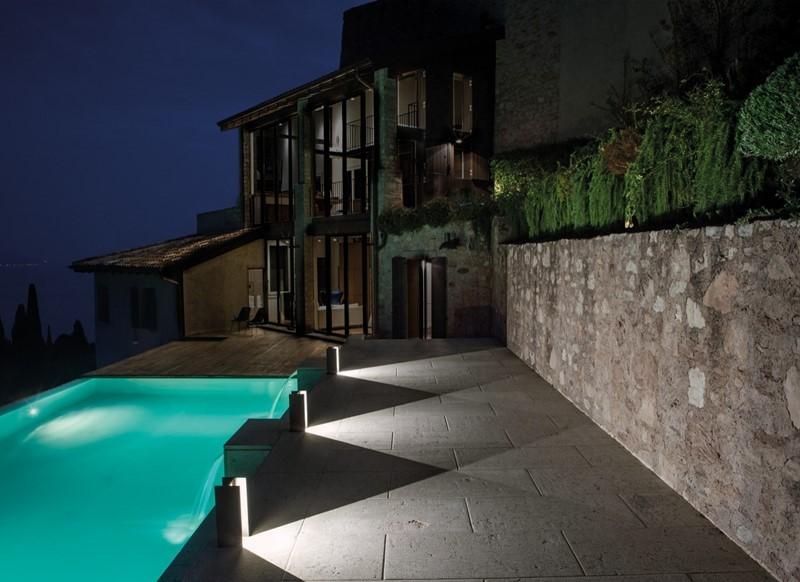 Industrialne oświetlenie w ogrodzie