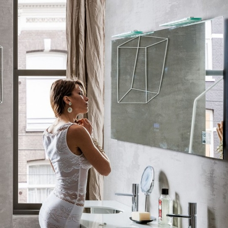 Nowoczesne lustro łazienkowe z półką Broadway