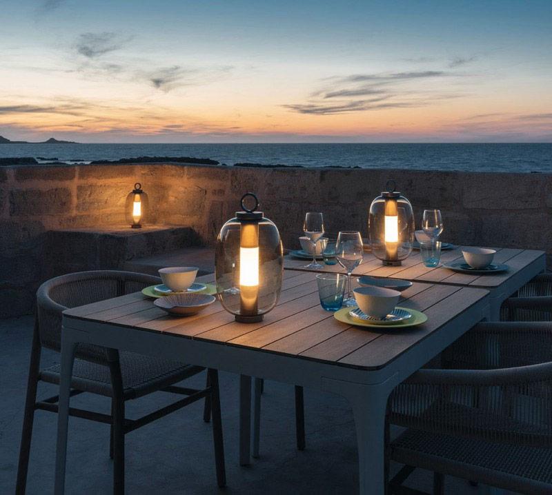 Oświetlenie w ogrodzie lampy stołowe