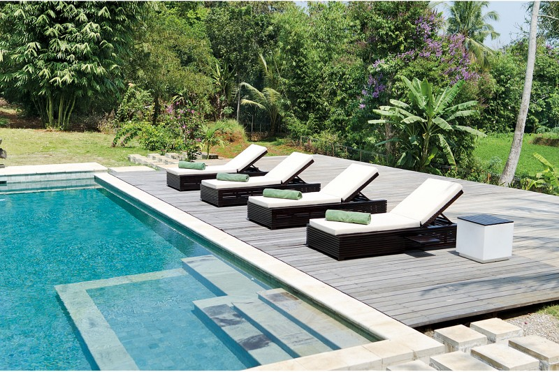 Meble basenowe - leżak Saint Tropez