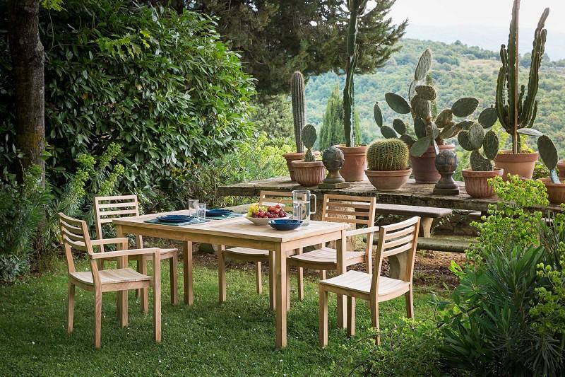 Nowoczesne meble ogrodowe z drewna letnia jadalnia