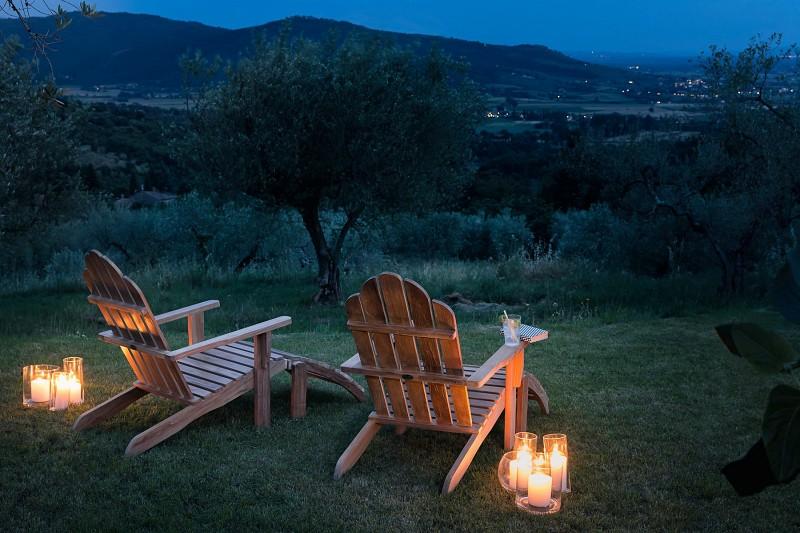 Nowoczesne meble ogrodowe z drewna fotele