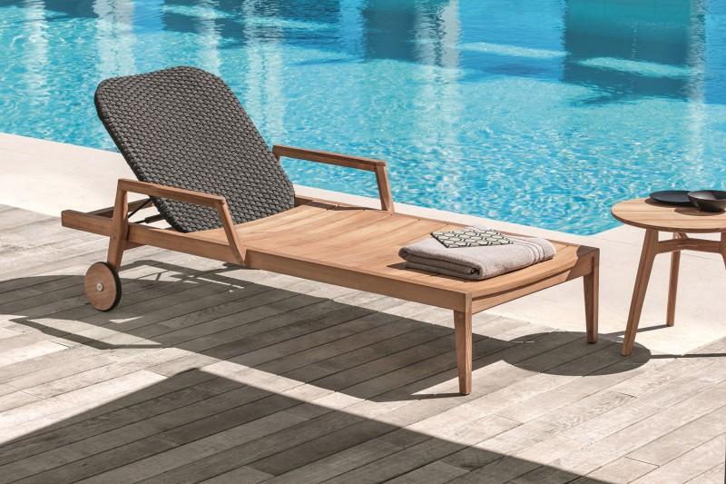 Nowoczesne meble ogrodowe z drewna leżak