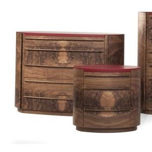 Drewniana komoda z czerwonym blatem Versa Plus
