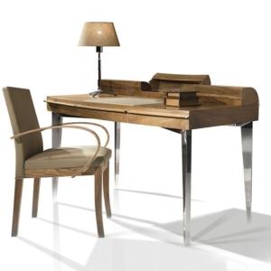 Drewniane biurko ze srebrnymi nogami Corona