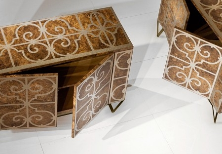 Ekskluzywna konsola zdobiona orntamentami Granada