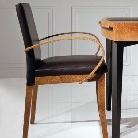 Eleganckie krzesło z podłokietnikami Lola