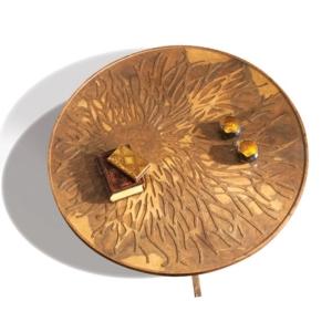 Okrągły stolik kawowy z rzeźbionym blatem Dali