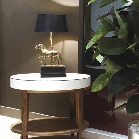 Okrągły stolik pomocniczy wykończony drewnem Vouge