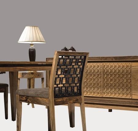Orientalne krzesło ze zdobionym oparciem Harem
