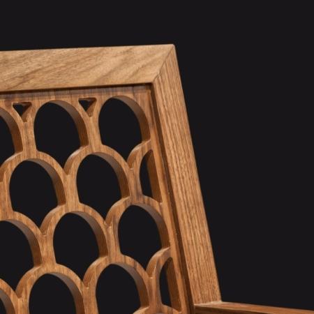 Zdobione krzesło bez podłokietników Kos 4