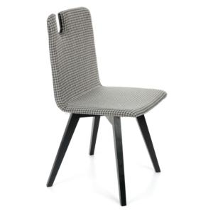 Nowoczesne krzesło ze sklejki