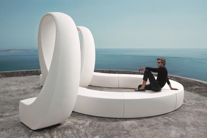 Designerska ławka zewnętrzna And Vondom