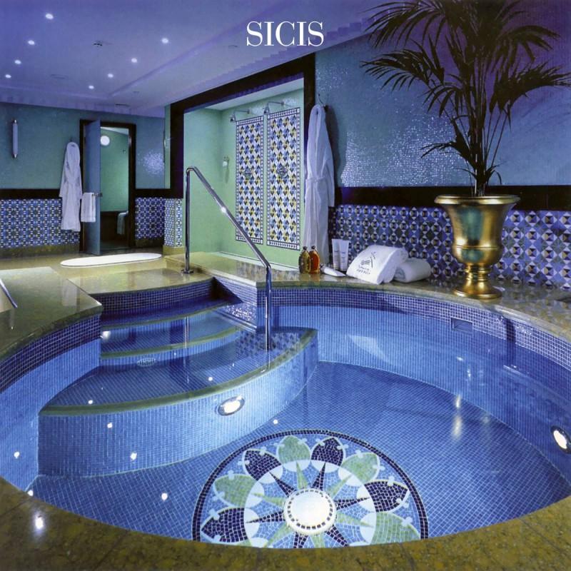 Artystyczna mozaika we wnętrzach basen