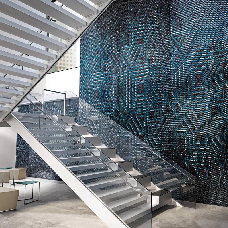 Artystyczna mozaika we wnętrzach schody