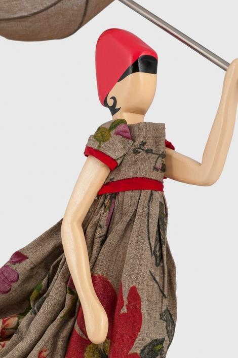 Beżowa lampa kobieta w kwiecistej sukience Vasilia