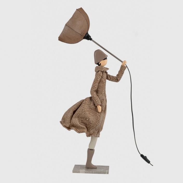 Beżowa lampa kobieta w sukience Donna
