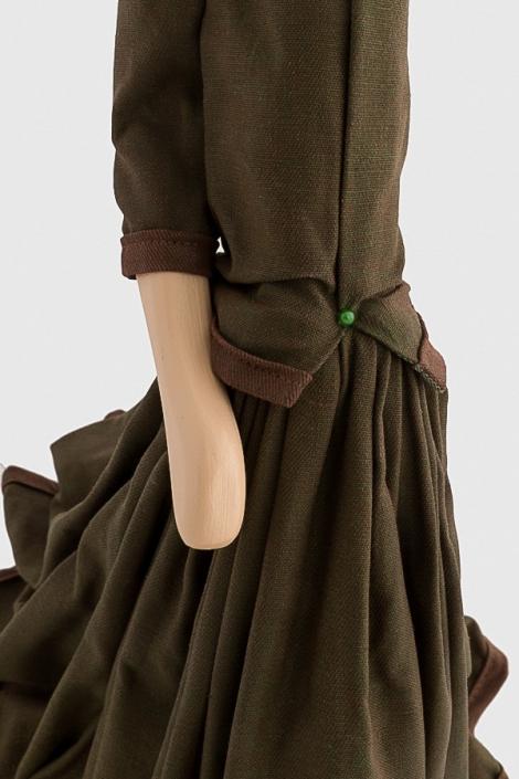 Brązowa lampka kobieta w sukience MARRON